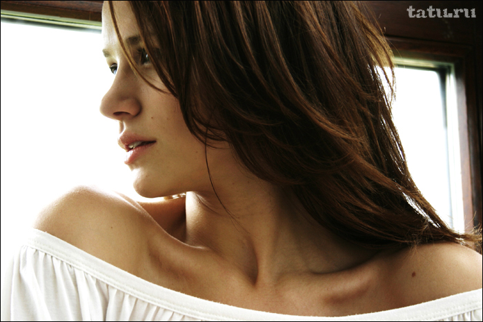 Sexy Lady: Shantel VanSanten | OfficialManCard.com